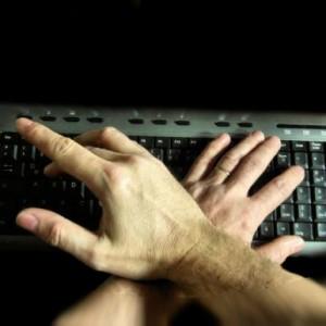 Mit zwei linken Händen im Netzwerk