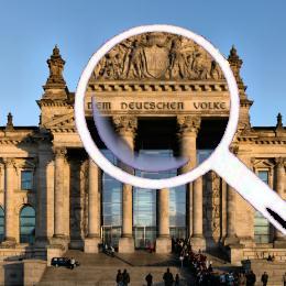 Reichstag mit Lupe auf Widmung