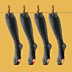 Schwarzbunte Socken